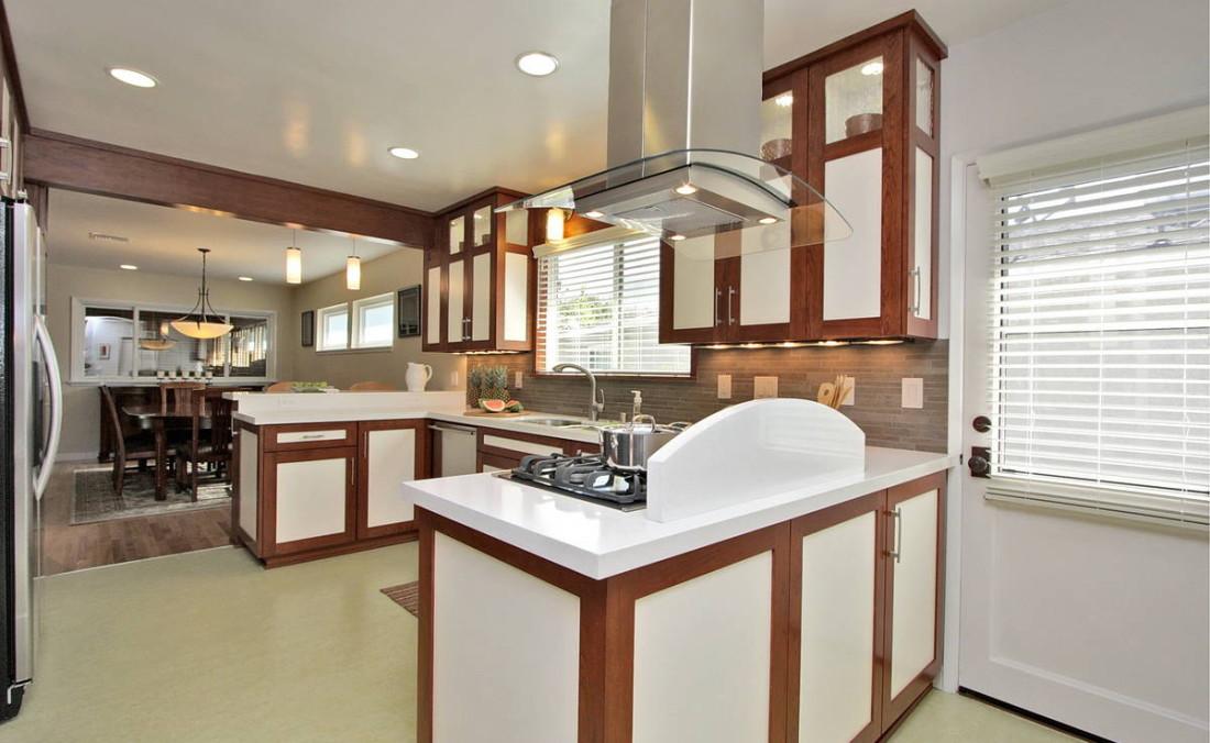Modern Two Tone Kitchen with Green Marmoleum Floors