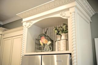 Niche above refrigerator