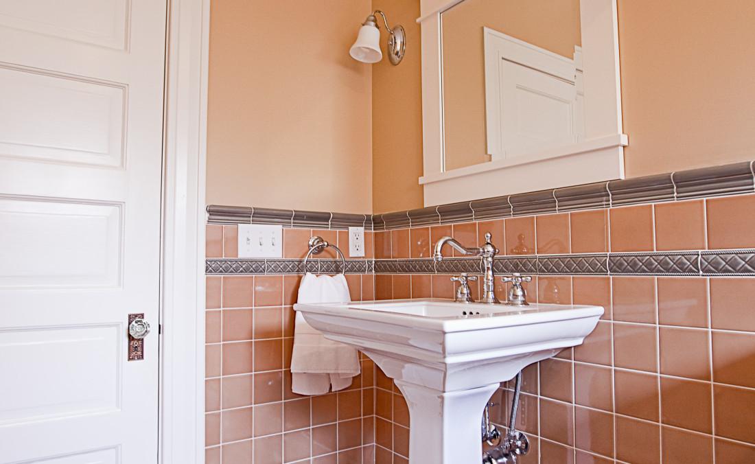 Colonial Revival Guest Bath