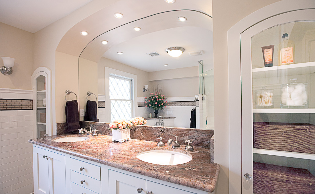 Arched Vanity Alcove with Arched Built-Ins