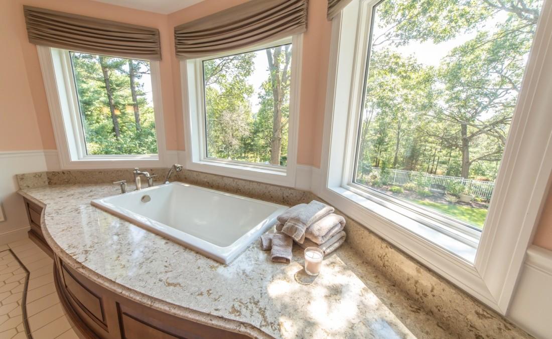 Elegant Master Bath Tub